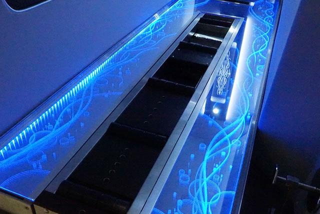 世界初の光る棺台レール「ブリリアンス」